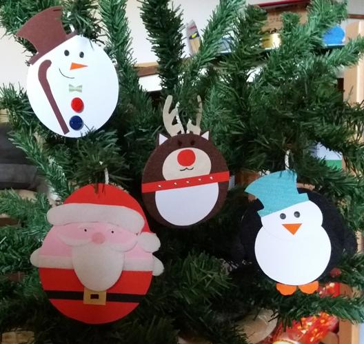 le palle per albero di Natale in cartoncino