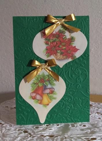 biglietto di Natale con palle decorative