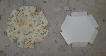 scatoline esagonali con rose in 3D